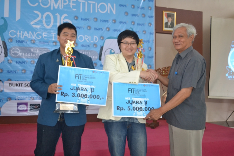 Rektor Tutup FIT Competition 2016